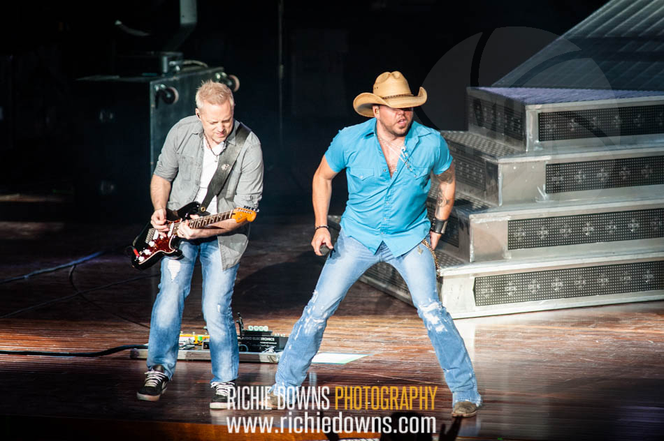 Jason Aldean Performs at Merriweather Post Pavilion in Columbia, MD on May 7, 2016 (Photos by Richie Downs).